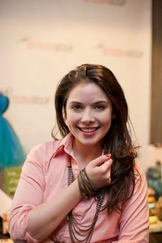 Grace Phipps Grace Phipps, Crushes, Lounge, Celebrity, Zip, Lady, Beautiful, Airport Lounge, Drawing Rooms