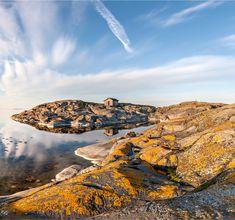Saaristomeri on ainutlaatuinen kuten operaatiomme nimi Ainutlaatuinen Saaristomeri kertoo. Nyt meri on kauneimmillaan syksyn väreissä. Nautitaan merestämme! Ja tehdään työtä sen pelastamiseksi. #saaristomeri #sininenkirja #ainutlaatuinensaaristomeri Archipelago, Finland, Trail, River, Outdoor, Outdoors, Outdoor Games, The Great Outdoors, Rivers