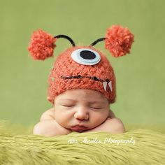 Inspiration For New Born Baby Photography : Newborn photos quirky hats Monster Beanie (on etsy) Cute Kids, Cute Babies, Monster Nursery, Monster Hat, Cute Monsters, Newborn Photos, Infant Photos, Baby Pictures, Family Pictures