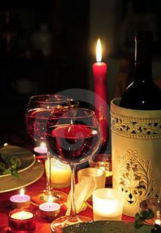 Red wine candlelight dinner by Simsonne, via Dreamstime- Don't forget the accents for a romantic evening in- Menu Leger, Menu Saint Valentin, Types Of Red Wine, Cheers, Spirit Drink, Just Wine, Wine Night, Romantic Evening, Wine Art