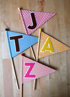 """A""dorable Birthday Pennants with Free Instructions and Template"