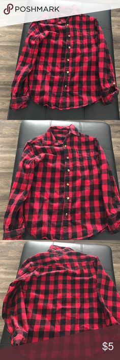 Red plaid flannel top Size small Follow me on Insta for OOTDS : NickyRican  Please do not offer trades. P P avail. Great with denim Arizona Jean Company Tops Button Down Shirts