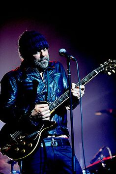 Daniel Lanois - great songwriter, producer and distinctive guitar sounds