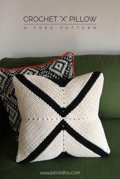 Crochet X Pillow Pattern - free pattern for a modern crochet pillow cover ༺✿Teresa Restegui http://www.pinterest.com/teretegui/✿༻