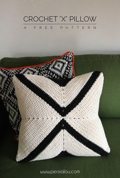 Crochet X Pillow Pattern - free pattern for a modern crochet pillow cover ༺✿Teresa Restegui http://www.pinterest.com/teretegui/✿༻