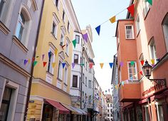 Wer hätte gedacht, dass diese kleine Stadt so viel zu bieten hat. Hier kommen unsere Regensburg Insidertipps für die Stadt und für tolle Ausflüge.