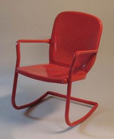 Love the old metal lawn chairs!  Well, except in the summer....I remember frying my butt on them numerous times.  LOL
