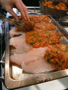 Psari Plaki – Greek Fish with Tomato Sauce – The Kitchen Tourist