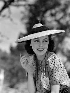 Hold That Kiss, Maureen O'Sullivan, 1938 Photographie sur AllPosters. Vintage Hollywood, Old Hollywood Glamour, Golden Age Of Hollywood, Hollywood Stars, Classic Hollywood, Hollywood Icons, Hollywood Actresses, Maureen O'sullivan, Look Vintage