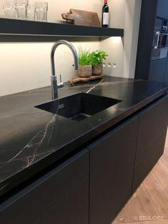 Kitchen Room Design, Modern Kitchen Design, Interior Design Kitchen, Black Kitchens, Luxury Kitchens, Home Kitchens, Open Plan Kitchen, Kitchen Dining, Kitchen Decor