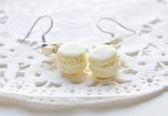 Macarons en fimo, bijou sucré, bijou gourmand, boucles d'oreilles macarons miniatures en polymère, boucle gourmande, bijou sucré, bijou fimo