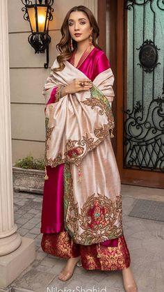 Beautiful Pakistani Dresses, Pakistani Formal Dresses, Pakistani Dress Design, Pakistani Outfits, Indian Dresses, Indian Outfits, Stylish Dresses, Simple Dresses, Fashion Dresses