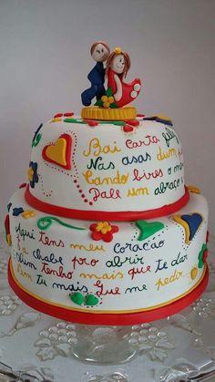 Lenços de namorados Wedding Desserts, Wedding Cakes, Beautiful Cakes, Amazing Cakes, Funny Cake, Portuguese Recipes, Love Cake, Special Day, Cupcake Cakes