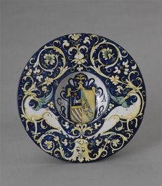 Assiette armoriée, début du 16e s., Deruta (Italie)