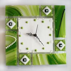 Fused glass wall clock of fused glass fusing GREEN LAKE Glass Wall Art, Fused Glass Art, Stained Glass Art, Traditional Clocks, Glass Fusion Ideas, Glass Fusing Projects, Slumped Glass, Green Lake, Craft Work