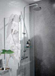 Concrete wall in bathroom, interior design & styling by Laura Seppänen Bathroom Styling, Bathroom Interior Design, Bathroom Inspo, Bathroom Ideas, Furniture Plans, Furniture Design, Steam Showers Bathroom, Bathrooms, Saunas