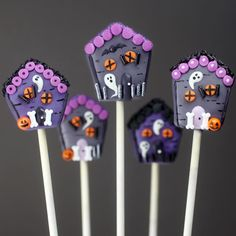 Haunted House cake pops by Bakerella. Picture from Instagram