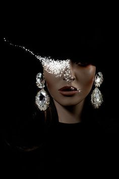 Alexis Bittar Jewelry - Luxus-Modeschmuck-Kollektion - New Ideas Alexis Bittar, Costume The Mask, Black Costume, Ring Armband, Looks Dark, Foto Fashion, By Any Means Necessary, Beauty And Fashion, Glamour