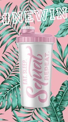 Der Eat Sleep Squat Repeat Shaker sticht durch seine schlichte Eleganz hervor und eignet sich besonders gut zum Mixen von Eiweiß- bzw. Protein-Shakes, Kohlenhydrate-Shakes, Mineral-Drinks, Molke-Shakes, Milch-Shakes uvm. Protein Shakes, Eat Sleep, Squats, About Me Blog, Mugs, Tableware, Exercise, Foods, Eten