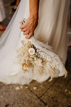 Un mariage sur le thème de Peaky Blinders au Château Haute Germaine - la mariee aux pieds nus Bouquet Champetre, Peaky Blinders, Lace Wedding, Wedding Dresses, Latour, Marie, Bridal, Flowers, Photos