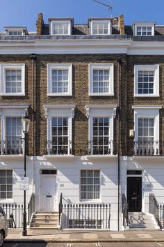 Halsey Street, Chelsea - Victorian house in the heart of Chelsea. This is what Chelsea is all about!