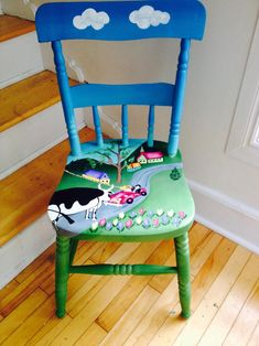 Painted Wooden Chairs, Whimsical Painted Furniture, Cute Furniture, Hand Painted Furniture, Bright Colored Furniture, Colorful Furniture, Old Chairs, Antique Chairs, Diy Furniture Renovation