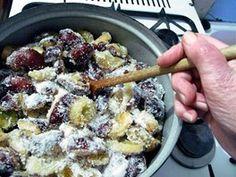 Švesky promíchejte a nechejte odstát 24 hodin. Acai Bowl, Oatmeal, Breakfast, Pictures, Acai Berry Bowl, The Oatmeal, Morning Coffee, Rolled Oats, Overnight Oatmeal