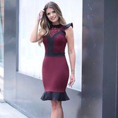 Vestido vinho com preto e com gola bordada ❤ Amamos muito esse dress! #ootd #amamos #fall17 #vemprakarmani #karmanioficial