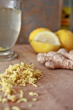 Lemon Ginger Water // super delicious and loaded with health benefits via Linda Wagner #hydrate #detox #antiinflammatory