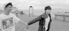 This GIF is so cute >< Mino & Jinwoo is love haha #Minwoo