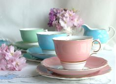 Harlequin tea sets are my favourite kind of vintage china… by Colclough