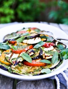 Grilled Halloumi Salad with Eggplant & Mint Dressing- flavorful and easy to make this summertime salad, is a big hit at parties and gatherings. | www.feastingathome.com