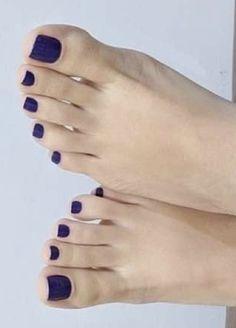Nice Toes, Pretty Toes, Sexy Nails, Sexy Toes, Feet Soles, Women's Feet, Blue Toe Nails, Feet Show, Toe Polish