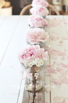 Could be mums or fall flowers.Shabby chic decor idea, single flower, peonies or roses in cup-- tea cup Shabby Chic Kitchen, Shabby Chic Homes, Shabby Chic Decor, Deco Floral, Floral Design, Wedding Decorations, Table Decorations, Wedding Centerpieces, Home And Deco