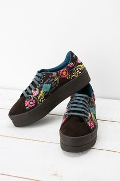 Our lace up Katia sneakers have a 3.8cm heel and a floral pattern which will win your heart. They have teal laces and a rubber sole and will make you feel like you're walking on air! They will feel as good as they look which is no mean feat! Do #XmasByDesigual this year!