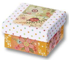 Mit unseren Briefmarkenstickern erhalten Sie in jeder Packung 72 dekorative Sticker im Briefmarkendesign. Wir bieten insgesamt fünf verschiedene Motive an: Vintage, Klassik, Vögel, Lufttanz, X-Mas. Mehr erfahren Sie auch auf www.folia.de