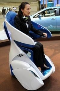 Toyota i-Real is a personal sofa on wheels | Ubergizmo