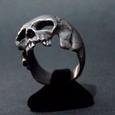 New Amazing Sterling Silver Skull Ring Handmade Masonic Freemason Masonry Biker Harley All Sz US 8 14 - Trend Silver Jewelry 2020 Skull Jewelry, Jewelry Rings, Jewelry Accessories, Fine Jewelry, Jewelry Design, Geek Jewelry, Vintage Accessoires, Silver Skull Ring, Skull Rings