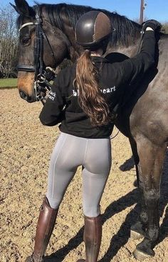 Equestrian Girls, Equestrian Outfits, Equestrian Style, Horse Riding Leggings, Riding Pants, Sexy Leggings Outfit, Girls In Leggings, Sporty Outfits, Sexy Outfits