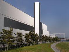No.245-1  広島市環境局中工場 谷口吉生建築設計研究所 広島市南区 2004年 http://ja.wikipedia.org/wiki/%E8%B0%B7%E5%8F%A3%E5%90%89%E7%94%9F 谷口吉生設計のゴミ焼却場!?と聞くと気になって見学に行きました。