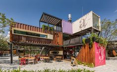 Shipping Container Architecture, 6 Restaurants in the Contenedores Food Place Container Office, Container Shop, Cargo Container, Container House Design, Container Architecture, Container Buildings, Architecture Design, Shipping Container Restaurant, Shipping Container Design