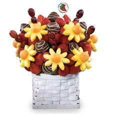 Edible fruit arrangement--Father's Day Dessert!!!!!!!!! YUMMY & FUN... 8-]