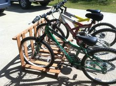 Pallet Bicycle Rack Project - D. Pallet Bike Racks, Diy Bike Rack, Bicycle Storage, Bicycle Rack, Pallet Crafts, Pallet Projects, Diy Projects, Pallet Ideas, Pallet Designs