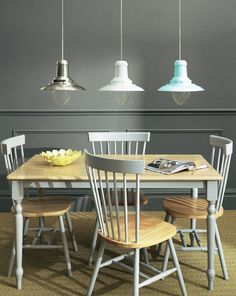 Go for the traditional sea faring look with the Fisherman's spun metal pendant in a brushed nickel-effect finish. Made from mild steel with a glass bulb covering underneath. Available in other colours.