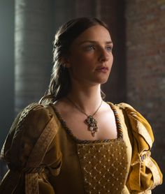 Faye Marsay as Lady Anne Neville in The White Queen (TV Series, 2013).