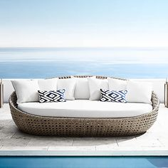 Outdoor Sofa, Outdoor Spaces, Outdoor Decor, Outdoor Living, Pool Furniture, Best Outdoor Furniture, Rattan Daybed, Sofa Daybed, Beach Sofa
