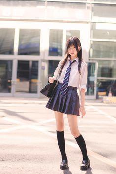 Japanese School Uniform Girl, School Girl Japan, School Girl Outfit, School Uniform Girls, Girls Uniforms, Japan Girl, Girl Outfits, Fashion Outfits, Cute Asian Girls