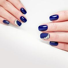 27 Stunning Examples of Cobalt Blue Nails For Elegant Ladies Cobalt Blue Nails, Blue And White Nails, Navy Nails, Blue Acrylic Nails, Glitter Gel Nails, Burgundy Nails, Gold Nails, Best Nail Art Designs, Colorful Nail Designs