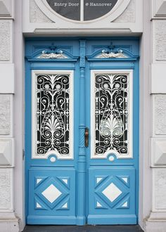 Die for blue doors. Die for double doors.