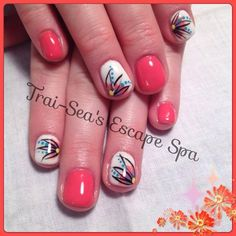 Flower accent nails by TraiSeasEscape from Nail Art Gallery #nailart www.traiseasescapespa.com